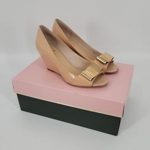 Kate Spade Theresa Nude Patent Bow Wedges 6